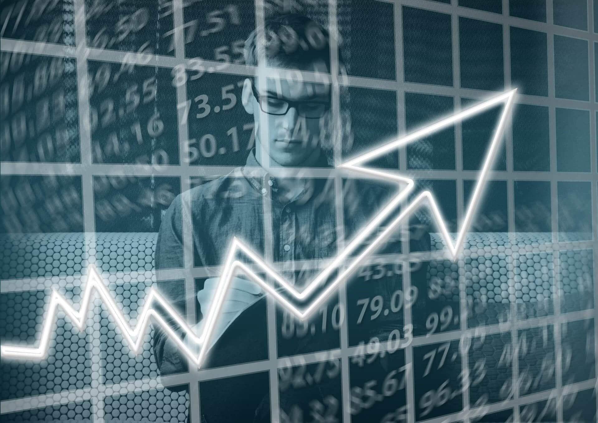 Jak zwiększyć sprzedaż w sklepie internetowym? Cross selling i potęga darmowej wysyłki