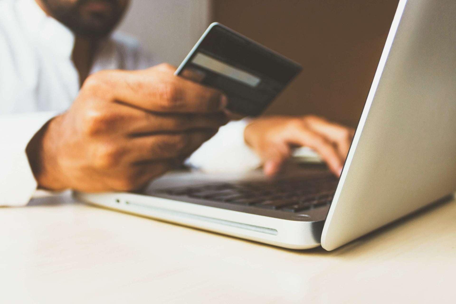 Dlaczego warto mieć własny sklep internetowy? E-commerce coraz ważniejsze